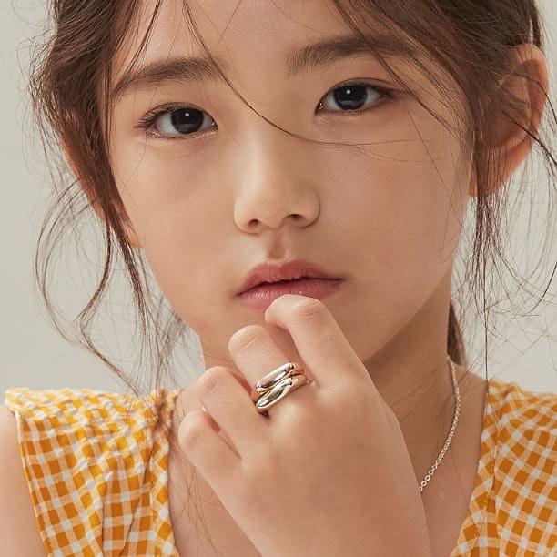 Xót xa câu chuyện mẫu nhí xứ Hàn sở hữu gương mặt đẹp nhất thế giới phải đối diện với bệnh tật vì lạm dụng mỹ phẩm - Ảnh 8.