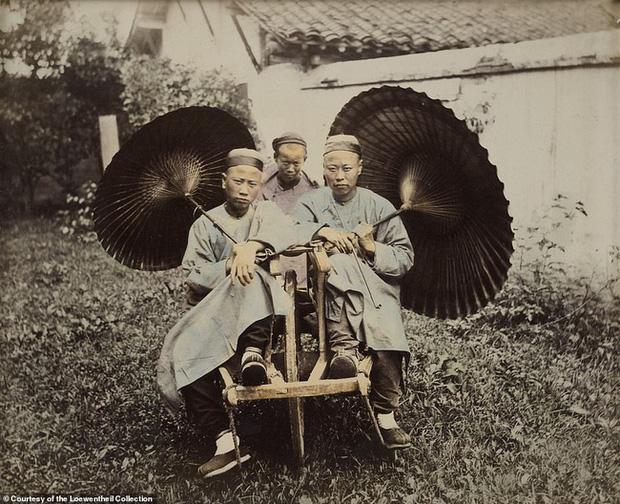 Loạt ảnh triều nhà Thanh nửa cuối thế kỷ 19: Khoảng cách giữa giới thượng lưu, trung lưu và bình dân khiến người xem phải ngỡ ngàng - Ảnh 3.