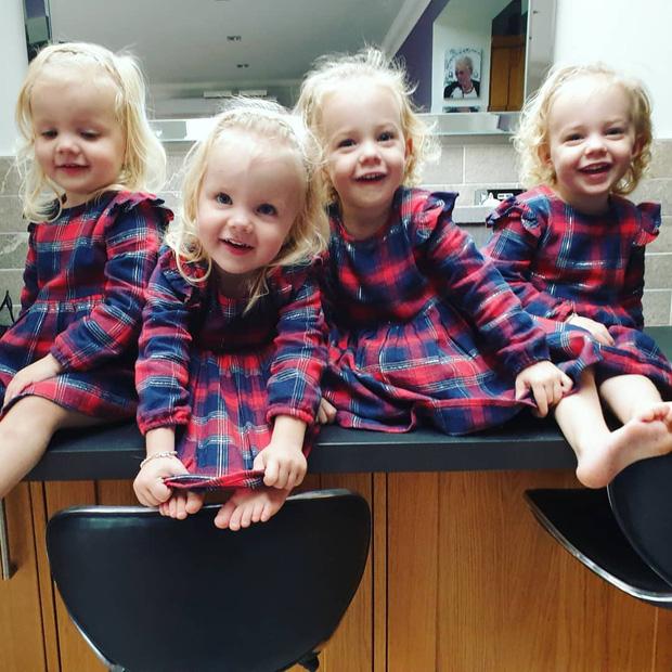 4 bé gái trong ca sinh tư giống hệt nhau vô cùng hiếm trên thế giới với tỷ lệ chỉ 1/70 triệu ca sau 3 năm đã có những thay đổi gây ngỡ ngàng - Ảnh 8.