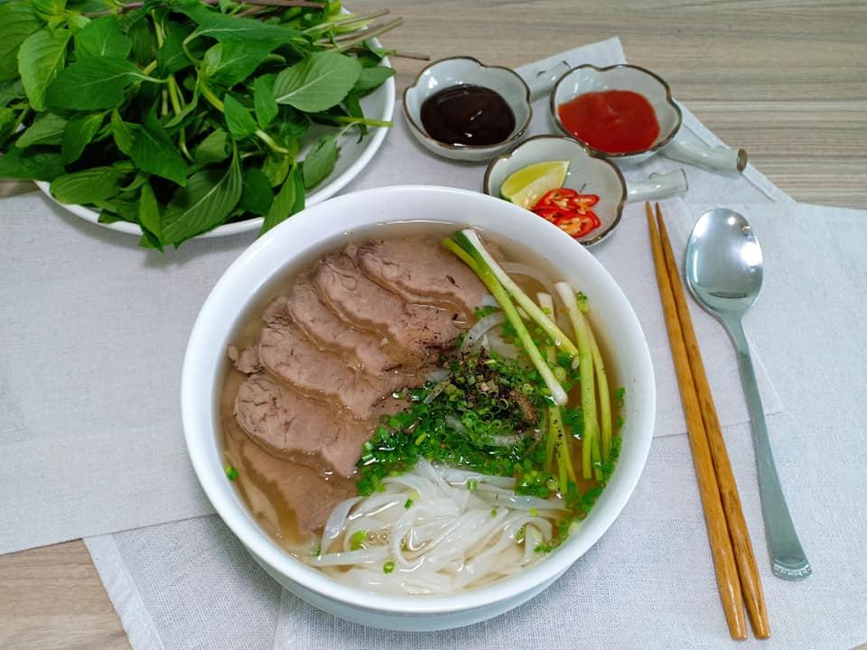 Được nhà ngoại cung cấp gạo rau, gà vịt, thịt cá, mẹ bỉm sữa Hà Nội vẫn kêu trời vì 1 tháng tiêu hết 18 triệu cho nhà 4 người - Ảnh 2.
