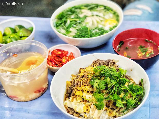 Món trộn - biến tấu ẩm thực thú vị của Hà Nội, càng nắng nóng, càng lắm người mê - Ảnh 3.