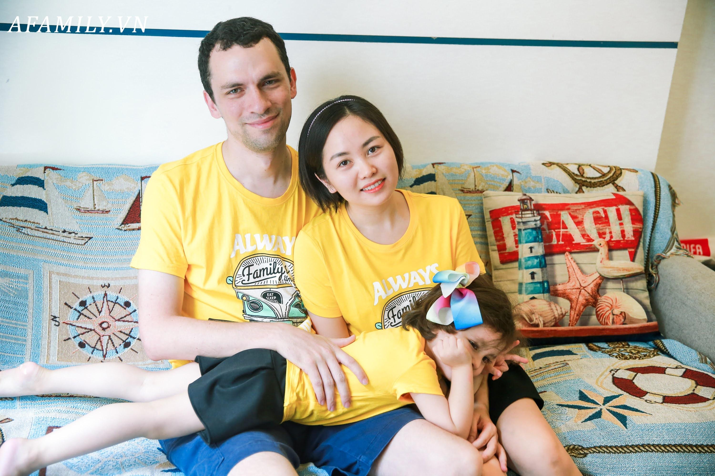Những đợt sóng ngầm trong gia đình vợ Việt chồng Tây ở Hà Nội - Ảnh 10.