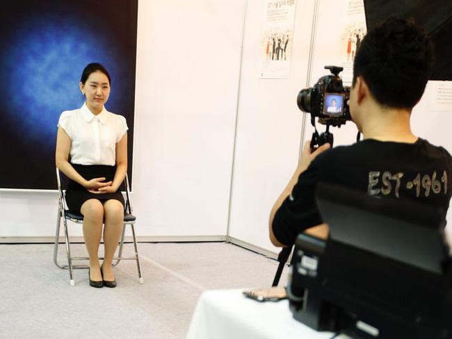 Tiếp viên hàng không ở Hàn Quốc: Công việc đẳng cấp trong mơ nhưng chịu áp lực nhan sắc, có cả gói phẫu thuật thẩm mỹ riêng - Ảnh 5.