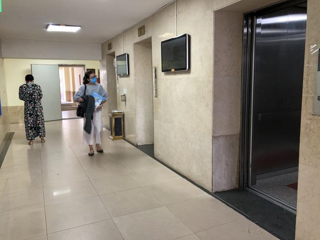 Hà Nội: Tạm giữ gã đàn ông dâm ô bé trai trong thang máy - Ảnh 3.