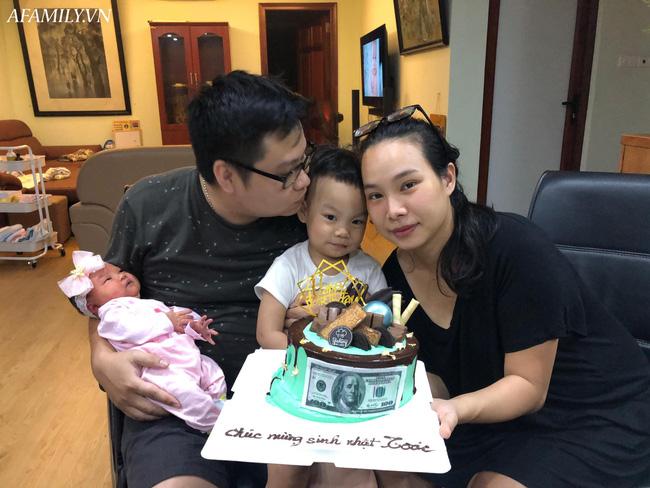 Mẹ 9x Hà Nội kể chuyện đẻ rơi gay cấn như phim, chưa kịp vào viện đã thấy em bé nằm trong bọc ối chui ra - Ảnh 7.