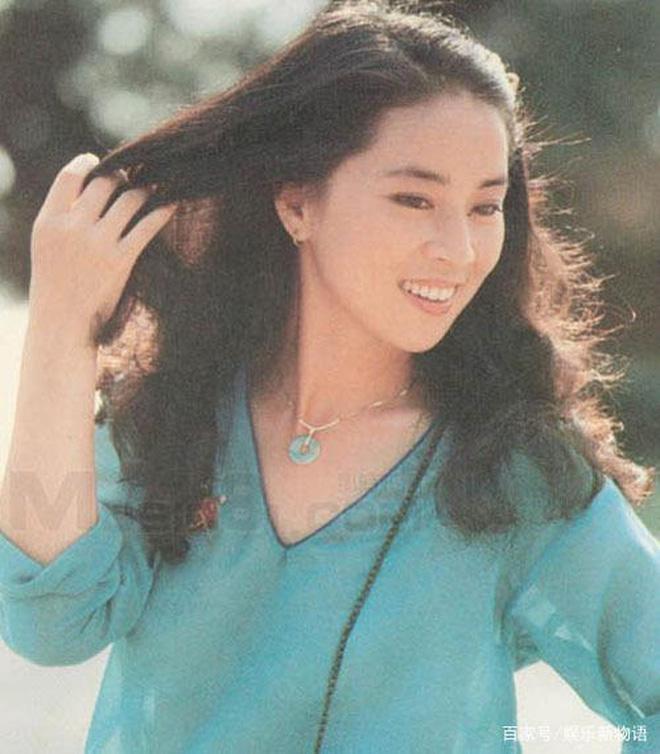 Lâm Phụng Kiều: Ảnh hậu thành vợ bí mật của Thành Long, 17 năm nhẫn nhục vì chồng ngoại tình và chiếc nhẫn không vừa tay - Ảnh 8.