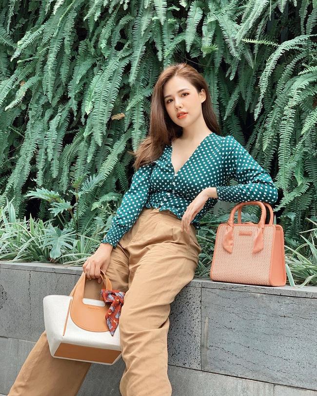 Phanh Lee có 11 cách diện áo blouse cực khéo, chị em học theo thì đi làm hay đi chơi cũng được khen mặc đẹp  - Ảnh 4.