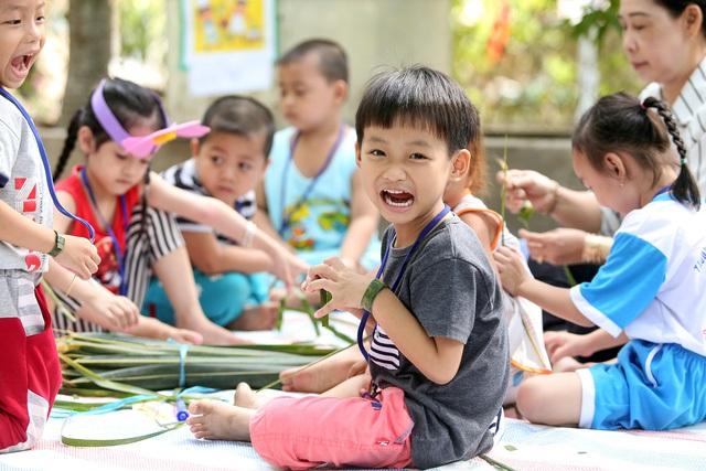 """Chuẩn bị cho giai đoạn """"tiền tiểu học"""", có những điều còn quan trọng hơn cả việc học chữ lại thường bị bố mẹ bỏ qua khiến con phải"""