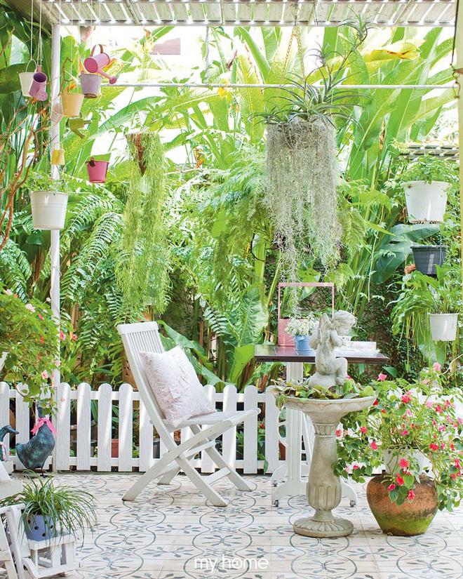 Nhà vườn ở quê của bà lão 80 tuổi đẹp đến nỗi khiến ai đi qua cũng phải dừng lại chiêm ngưỡng - Ảnh 11.