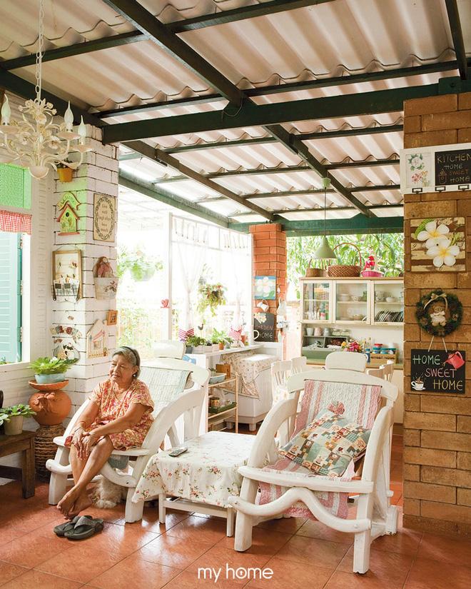 Nhà vườn ở quê của bà lão 80 tuổi đẹp đến nỗi khiến ai đi qua cũng phải dừng lại chiêm ngưỡng - Ảnh 5.