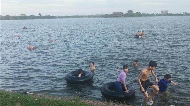 Báo động đỏ 7 nguyên nhân khiến trẻ em tử vong vì đuối nước những ngày hè nắng nóng - Ảnh 1.