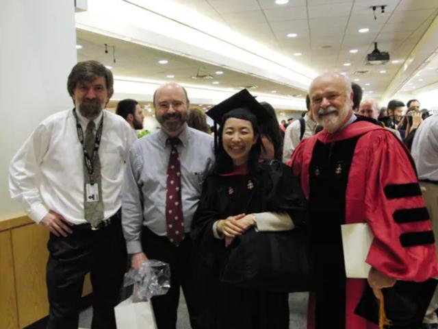8 năm vừa chăm 5 con, bà mẹ Nhật Bản vẫn tốt nghiệp Harvard xuất sắc: Bí quyết dùng thời gian đỉnh cao là đây! - Ảnh 4.