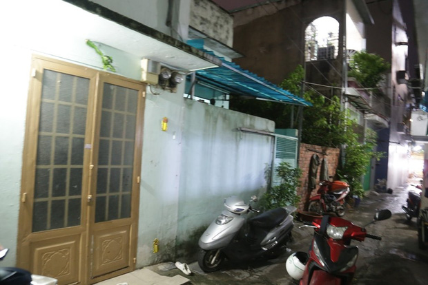 Lời khai lạnh lùng của gã đàn ông đánh đập dã man, siết cổ bé gái 3 tuổi ở Sài Gòn - Ảnh 2.