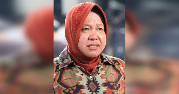 Bệnh viện quá tải bệnh nhân mắc Covid-19: Thị trưởng Indonesia quỳ gối, bật khóc - Ảnh 1.