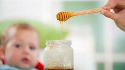 Có nên cho trẻ dưới 1 tuổi sử dụng mật ong không? Khi nào trẻ có thể dùng mật ong?