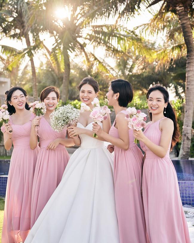 Phanh Lee tung thêm ảnh trong đám cưới với thiếu gia Cocobay, vòng 1