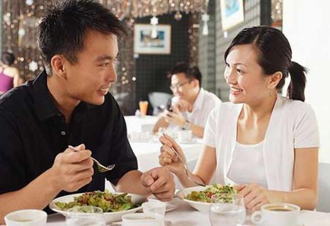 Vợ chồng cãi nhau trên bàn ăn, cứ ăn thật no là thắng - Ảnh 3.