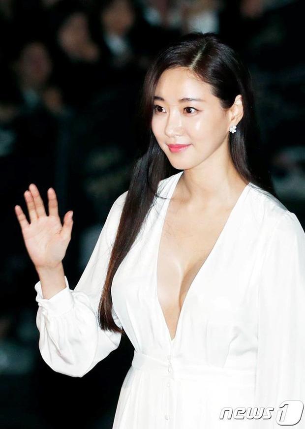 Kết cục Hoa hậu, Á hậu Hàn dính bê bối bán dâm: Tuột dốc vì tình cũ tố phục vụ 7 người/đêm, nhận gạch khi cố trở lại Kbiz - Ảnh 10.