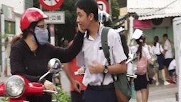 Ngày đầu tuyển sinh vào lớp 10 ở TP.HCM: Phụ huynh lo lắng xin nghỉ phép để đưa con đi thi