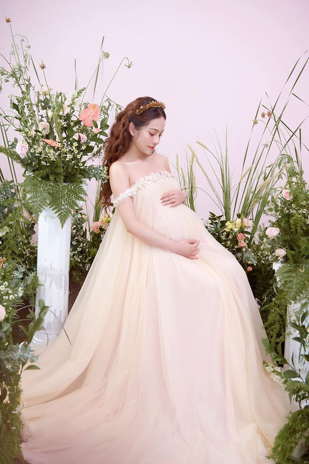 Bà xã Dương Khắc Linh tung trọn bộ ảnh bầu thai đôi đỉnh cao: Nhan sắc thế này bảo sao ông xã nghiện khoe! - Ảnh 5.