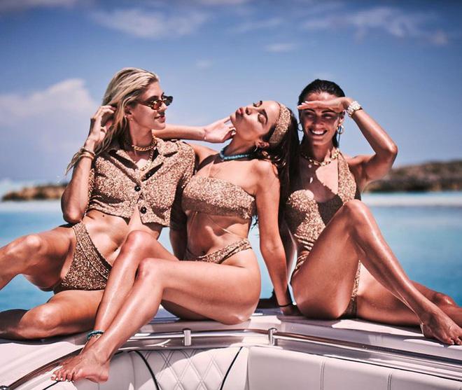 Say đắm sắc vóc tuyệt mỹ của ba mỹ nhân áo tắm trên biển - Ảnh 3.