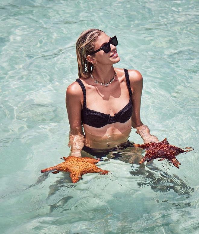 Say đắm sắc vóc tuyệt mỹ của ba mỹ nhân áo tắm trên biển - Ảnh 6.