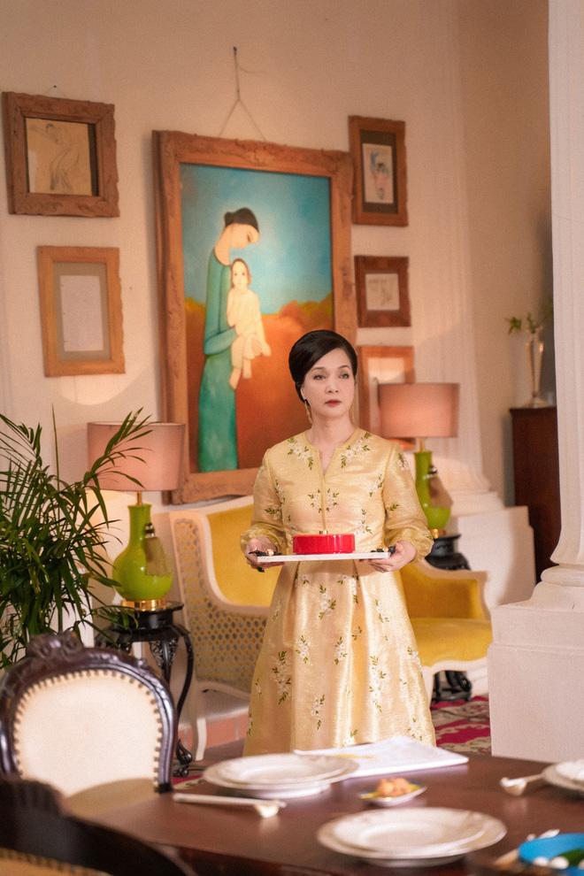 Hình ảnh lạ lẫm ở tuổi 57 của NSND Lê Khanh - Ảnh 3.