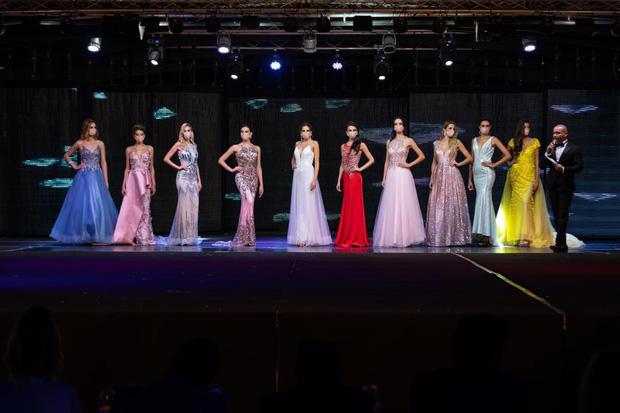 Chưa từng có trong lịch sử: Hoa hậu Tây Ban Nha 2020 đeo khẩu trang đăng quang, cuộc thi tổ chức đặc biệt vì dịch Covid-19 - Ảnh 2.