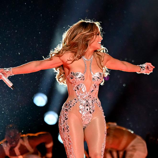 9 bí quyết khiến Jennifer Lopez 52 tuổi trông vẫn thần thái như 30, cơ thể vô cùng gợi cảm - Ảnh 9.