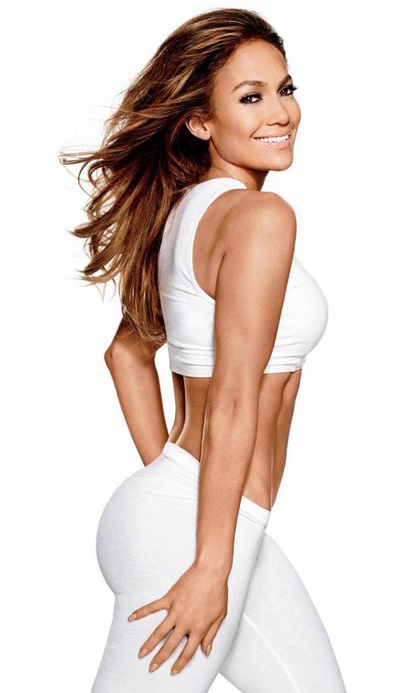 9 bí quyết khiến Jennifer Lopez 52 tuổi trông vẫn thần thái như 30, cơ thể vô cùng gợi cảm - Ảnh 3.
