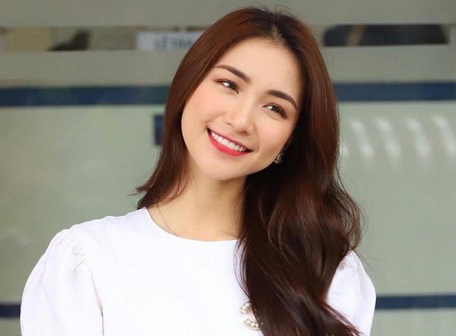 Ca sĩ Hòa Minzy bị phạt 7,5 triệu đồng vì chia sẻ tin giả lên mạng xã hội - Ảnh 1.