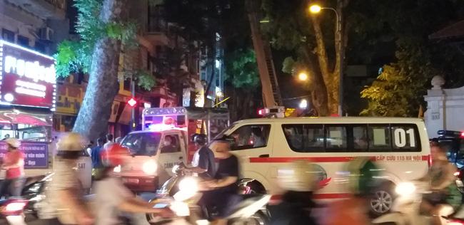 Sập giàn giáo nhiều người chết ở Hà Nội: Hàng xóm từng cảnh báo nhiều lần - Ảnh 9.