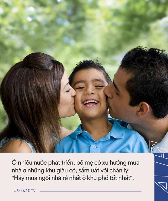 7 điều bố mẹ cần làm để giúp con thành công trong tương lai, chọn lựa hàng xóm là bước cực kỳ quan trọng! - Ảnh 2.