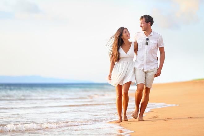 Tại sao đi bộ ven hồ, sông, biển lại tốt cho sức khỏe hơn: Gợi ý cách đi bộ tối ưu cho bạn - Ảnh 2.