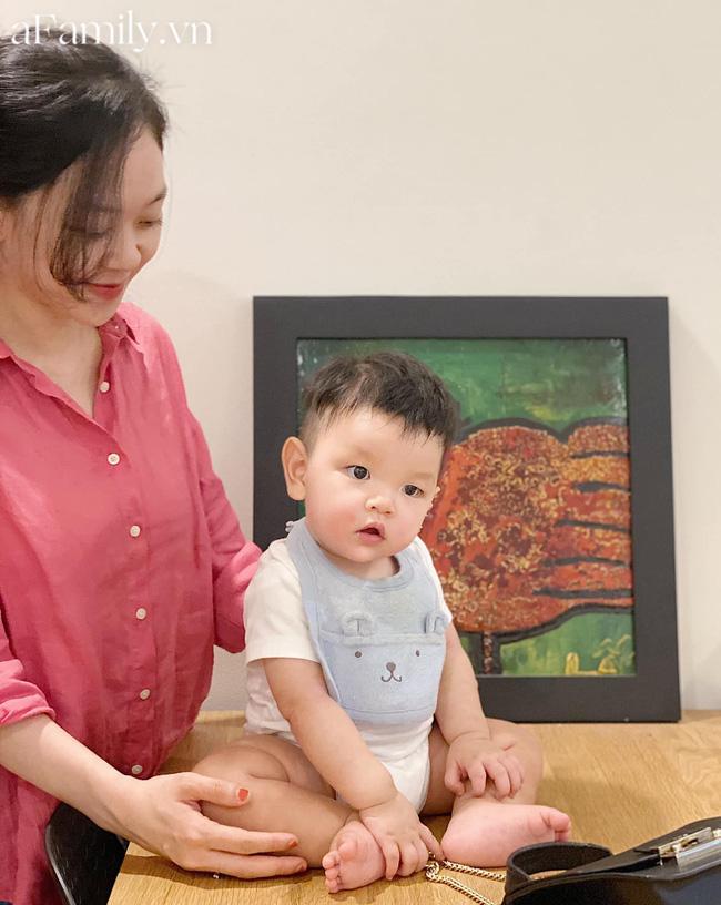 Mẹ Sài Gòn chuẩn bị bữa ăn dặm cho con siêu hấp dẫn, bé 11 tháng ăn được