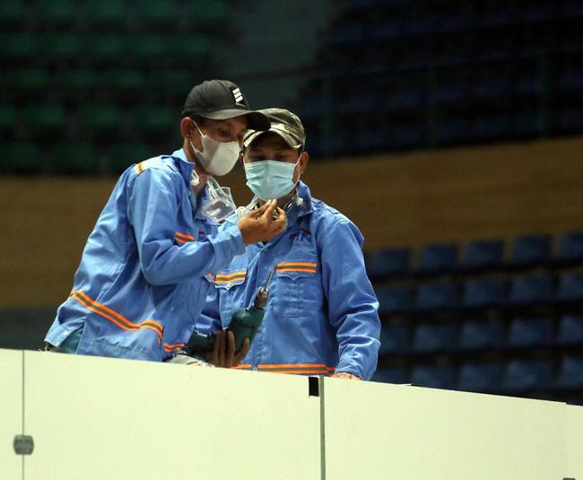 Hình ảnh Đà Nẵng gấp rút lắp đặt 300 giường điều trị Covid-19 tại cung thể thao - Ảnh 7.