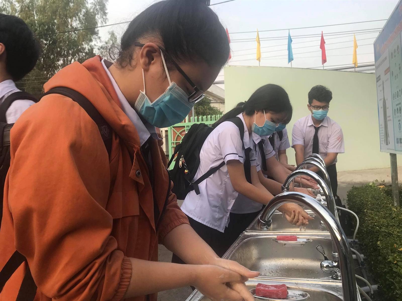 Đồng Nai: Tạm ngừng các hoạt động ngoại khoá trong trường học - Ảnh 1.