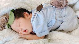 Học mẹ Hà Nội bí kíp luyện ngủ cho con ngay khi vừa lọt lòng, tròn tháng là bé ngủ xuyên đêm, mẹ tha hồ thảnh thơi