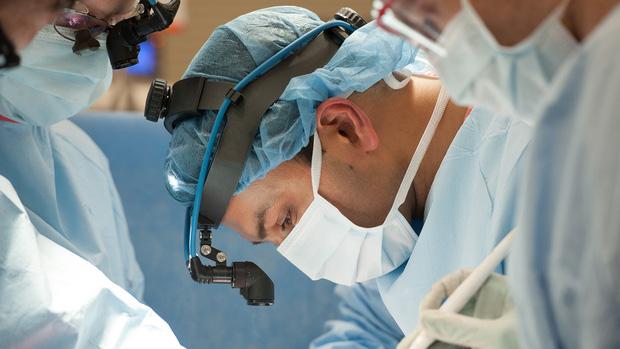 Đó là cơn ác mộng dài đến đáng sợ: Trải lòng của bệnh nhân Covid-19 đầu tiên được ghép phổi tại Mỹ sau khi trở về từ cõi chết - Ảnh 3.