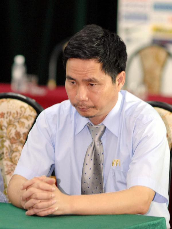 Thảm kịch đẫm máu nhất bóng đá Việt: Hàng ngàn CĐV ẩu đả, 1 người tử nạn, sếp VFF từ chức - Ảnh 7.