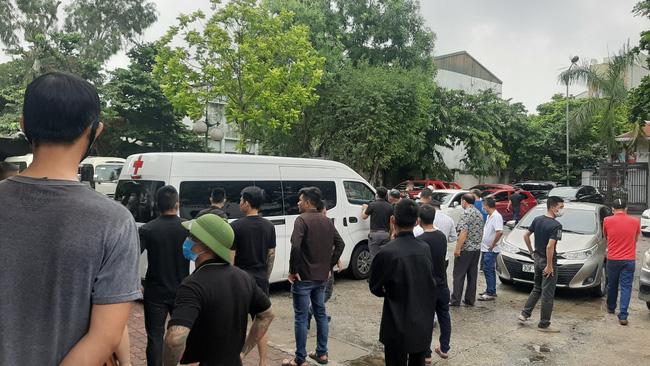 Vụ tai nạn 3 người tử vong ở Hà Nội: Chuyến xe định mệnh đưa cặp vợ chồng đi lễ mồng 1 - Ảnh 4.