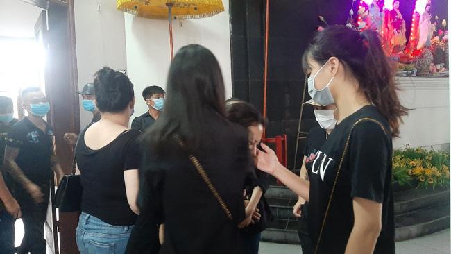 Vụ tai nạn 3 người tử vong ở Hà Nội: Chuyến xe định mệnh đưa cặp vợ chồng đi lễ mồng 1 - Ảnh 5.
