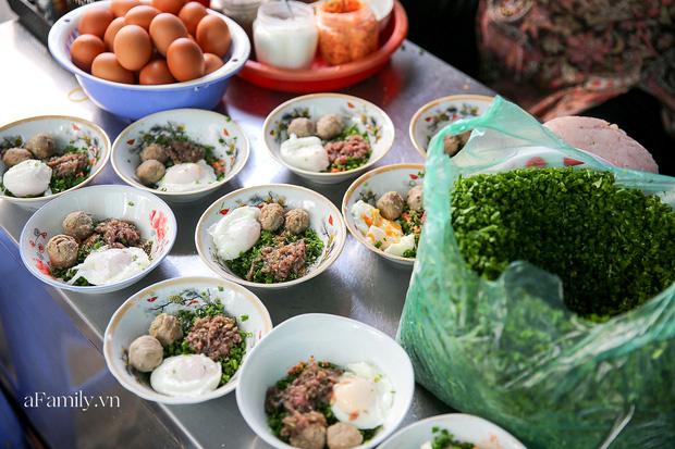 Sài Gòn được dịp mát trời, nhanh chân đi ăn sập thế giới với 7 món đường phố khiến bạn nuốt nước miếng mãi không kịp này thôi! - Ảnh 10.