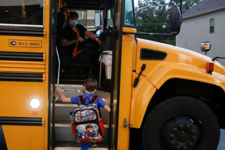 Gần 100.000 trẻ em Mỹ mắc COVID-19 chỉ trong hai tuần - Ảnh 5.