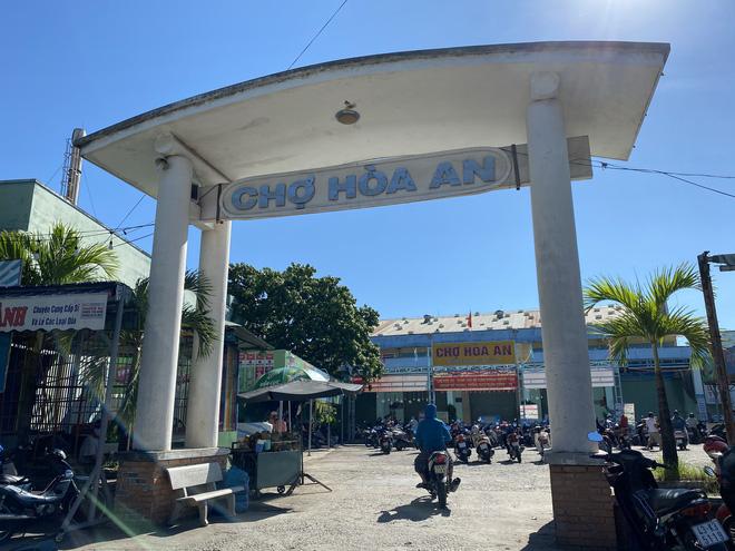 Phó chủ tịch phường mắc Covid-19 ở Đà Nẵng thường xuyên đi kiểm tra tại cộng đồng, các khu chợ - Ảnh 1.