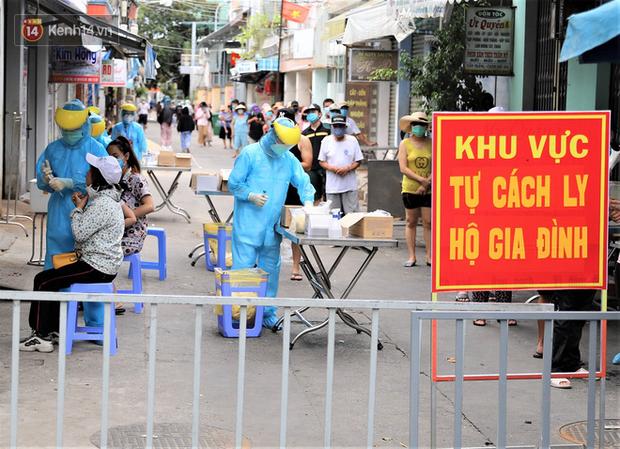 Hành trình 5 người trong gia đình bị nhiễm Covid-19 ở Đà Nẵng - Ảnh 1.