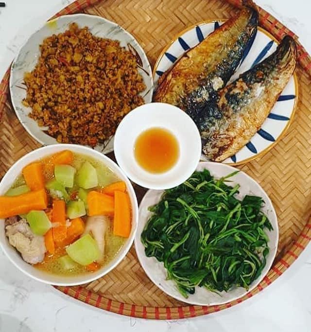 Chi phí chỉ từ 100k nhưng mỗi bữa cơm của bà nội trợ Hà Nội đều tươm tất đủ món thơm ngon, bổ dưỡng cho mọi thành viên gia đình - Ảnh 5.