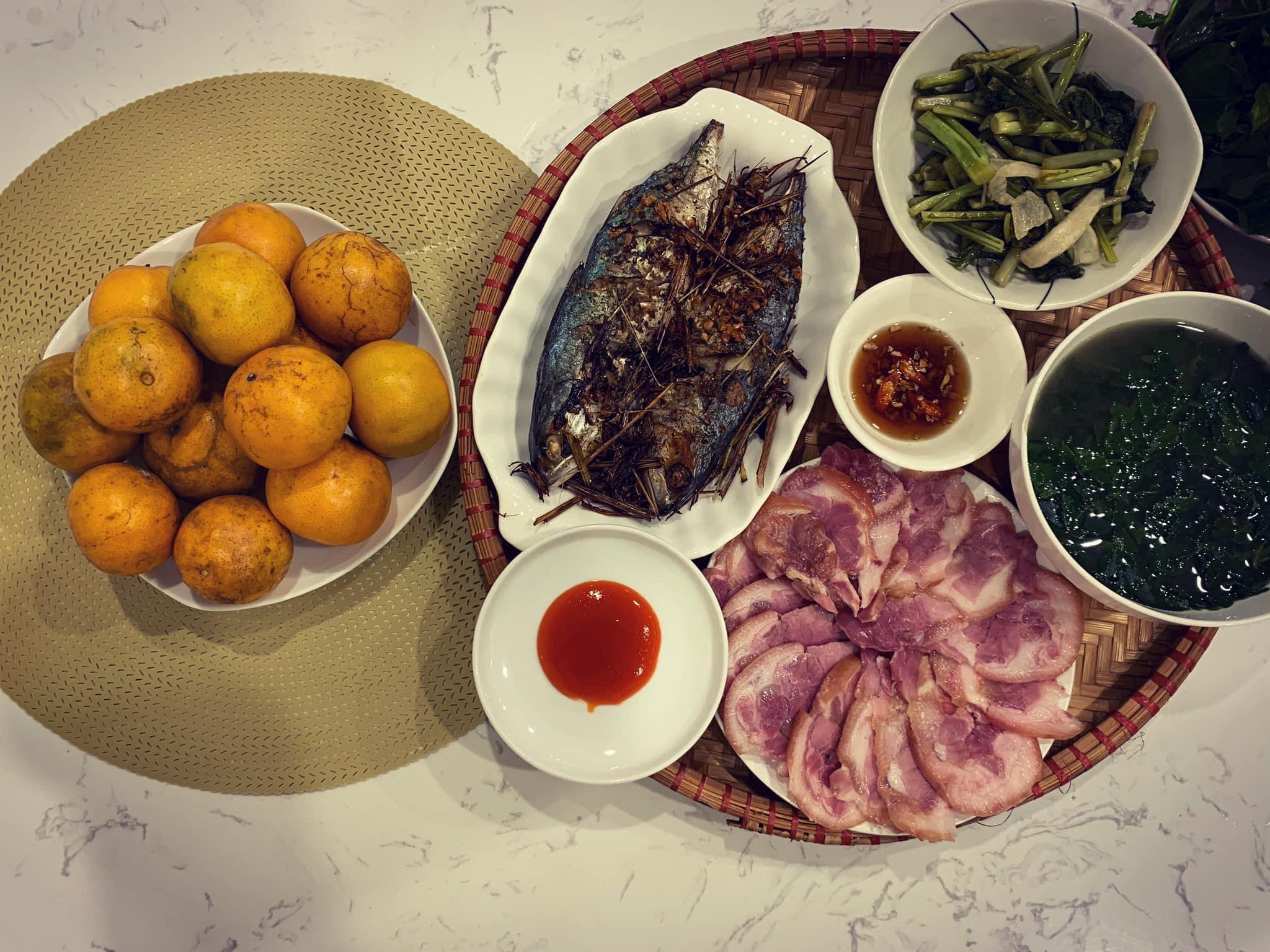 Chi phí chỉ từ 100k nhưng mỗi bữa cơm của bà nội trợ Hà Nội đều tươm tất đủ món thơm ngon, bổ dưỡng cho mọi thành viên gia đình - Ảnh 17.