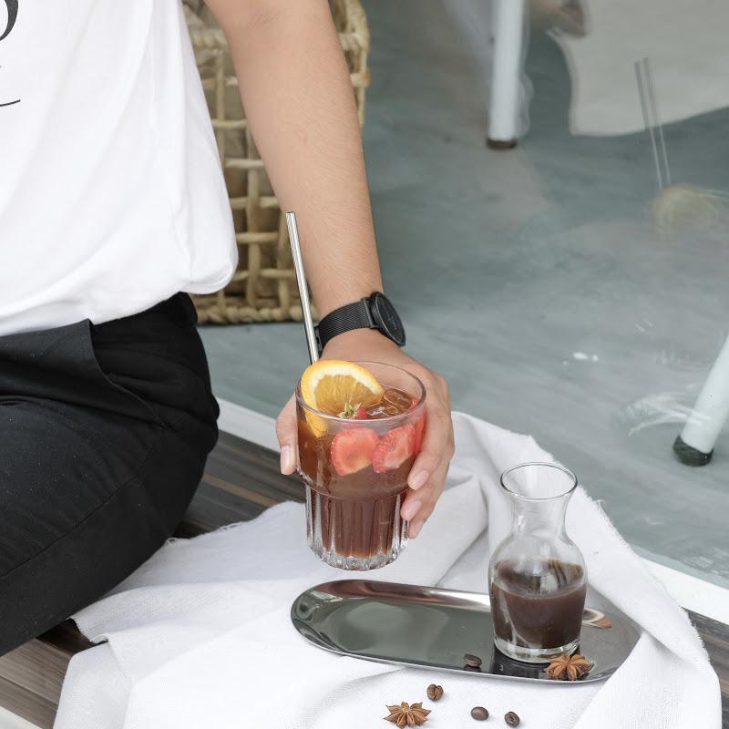 Quán cà phê chuẩn Hàn Quốc giữa lòng Sài Gòn lập tức khiến giới trẻ phát cuồng: Nghệ sĩ rủ nhau check-in, giới trẻ ngồi chật kín chỗ - Ảnh 4.