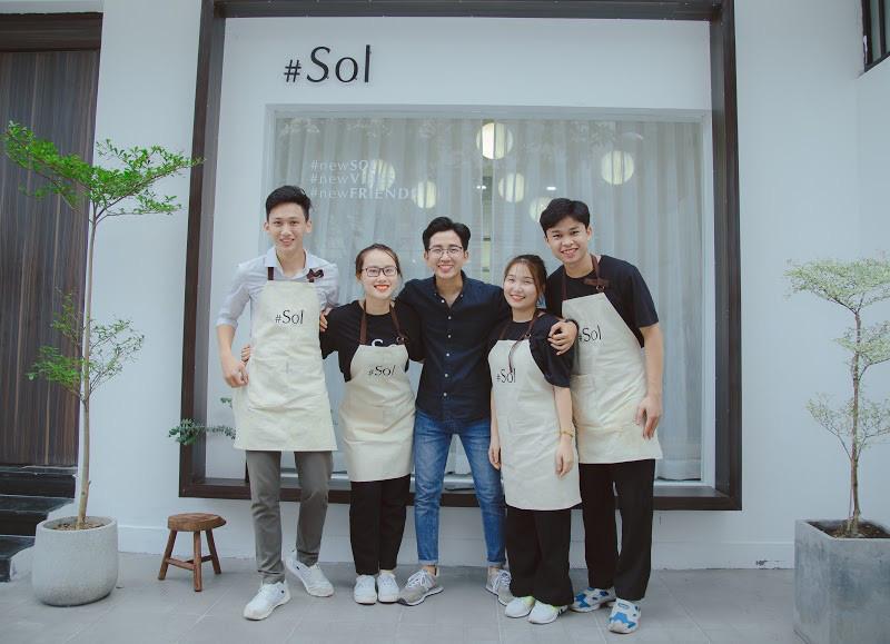 Quán cà phê chuẩn Hàn Quốc giữa lòng Sài Gòn lập tức khiến giới trẻ phát cuồng: Nghệ sĩ rủ nhau check-in, giới trẻ ngồi chật kín chỗ - Ảnh 6.